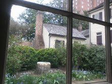 Image of the back gardens of the Blount Mansion